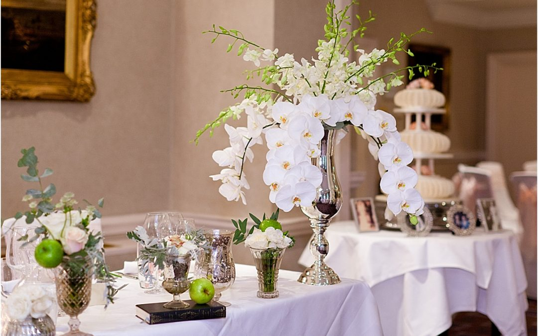 Beautiful Wedding Details: Feature from Distinctly Floral